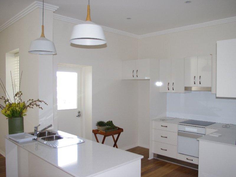 Unit 7 'The Byron' Cnr Otho & Evans Street, Inverell, NSW 2360