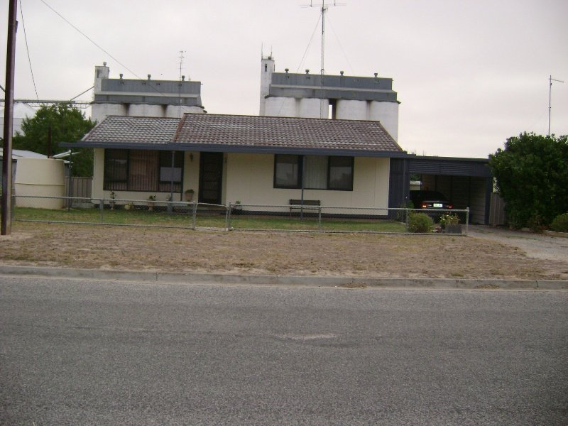 19 Dearman, Lock, SA 5633