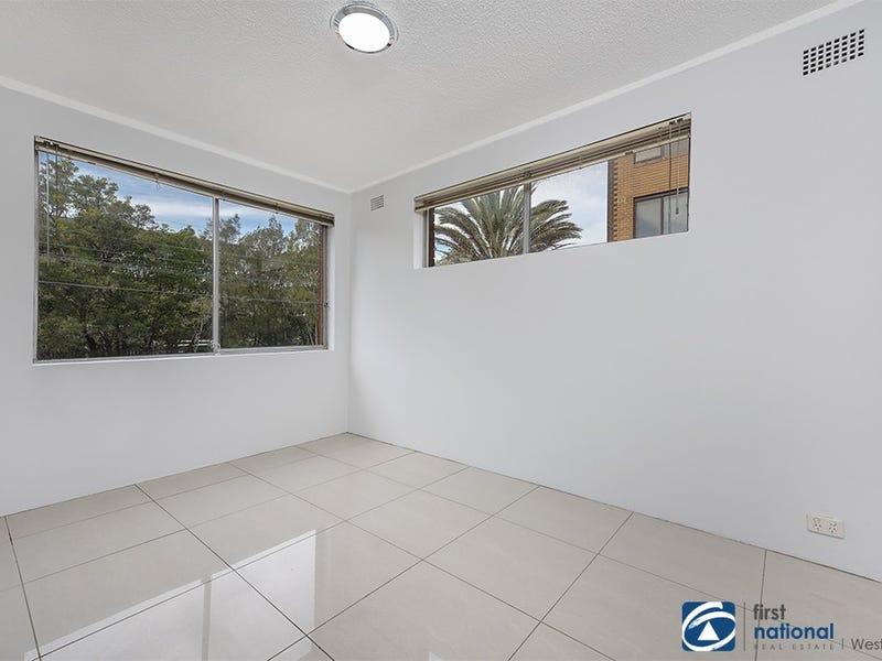 1/10 Bank Street, Meadowbank, NSW 2114