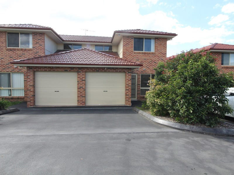 8/4 Feldspar Avenue, Eagle Vale, NSW 2558