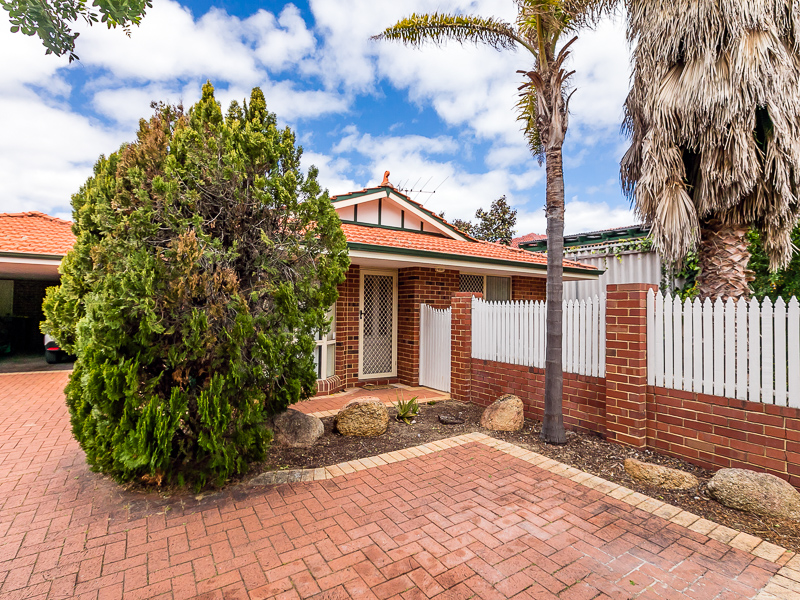4/77 Dover Road, Scarborough, WA 6019