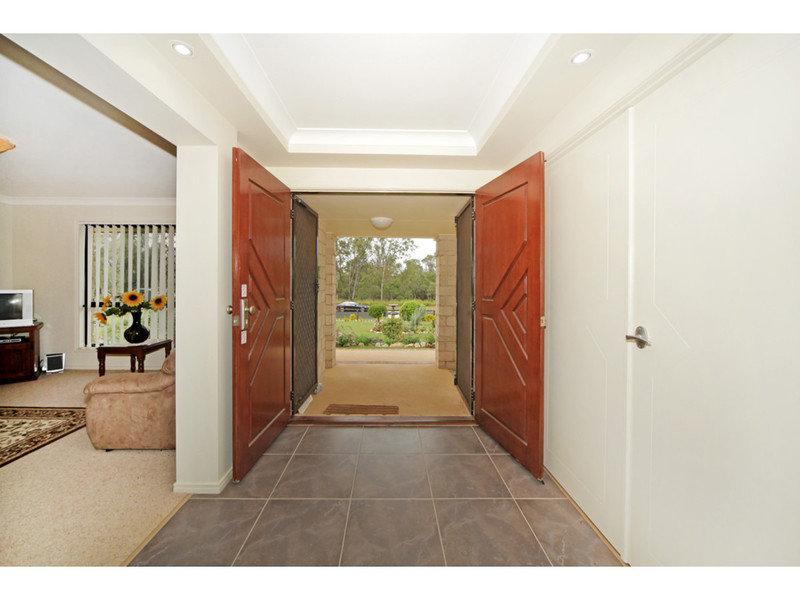 37 HANNANT Road, Kensington Grove, Qld 4341