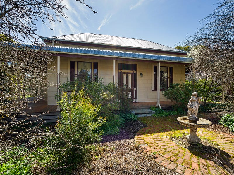 67 Blackjack Road, Harcourt, Vic 3453