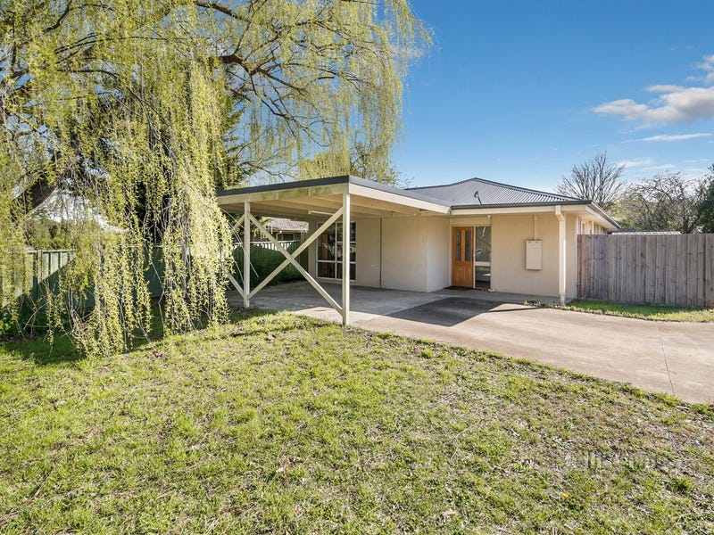 1/27 Anslow Street, Woodend, Vic 3442