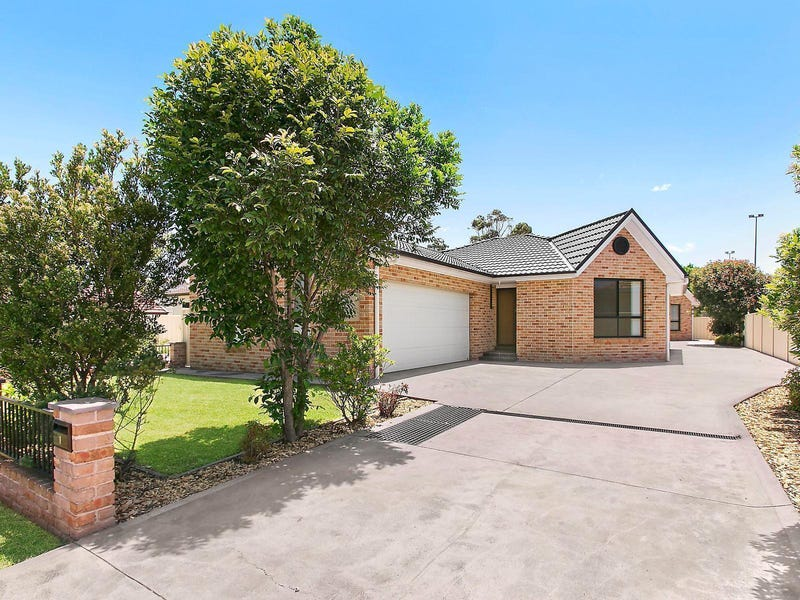 7 Albert Street, Unanderra, NSW 2526