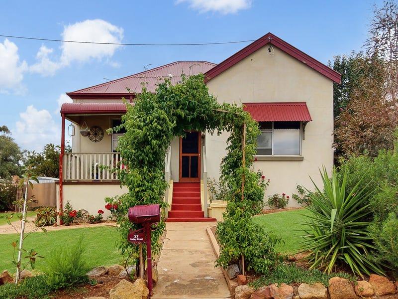 27 Dalley Street, Junee, NSW 2663