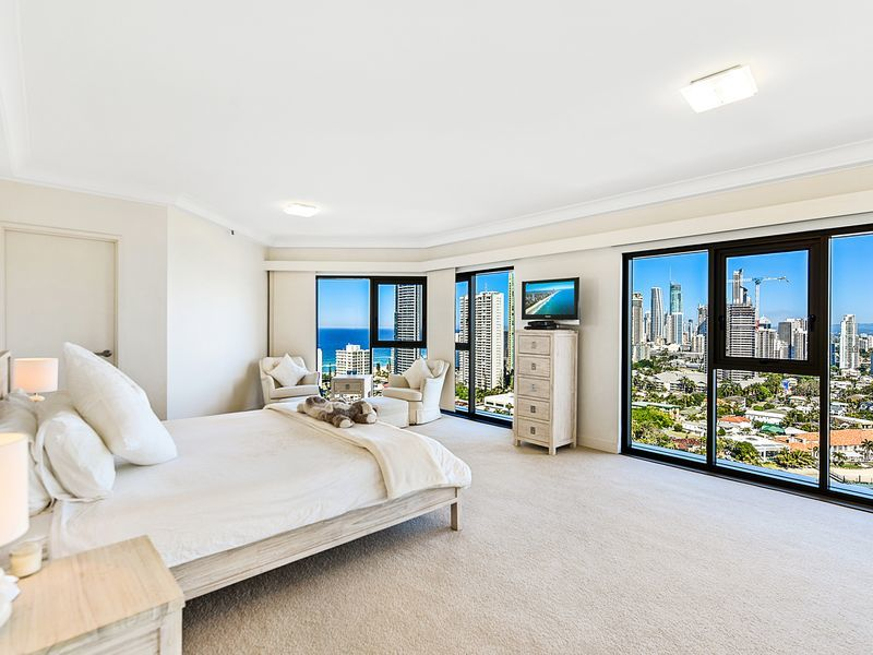 118/8 Admiralty Drive, Paradise Waters, Qld 4217