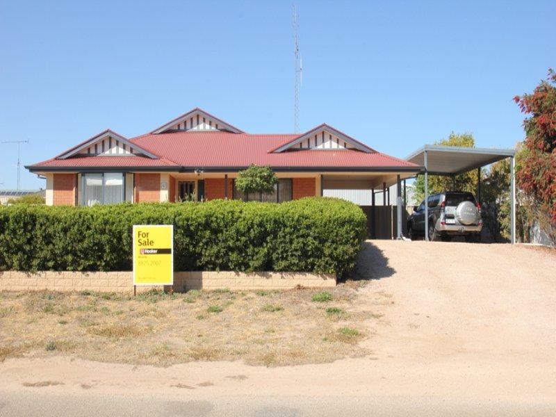 40 Hughes Avenue, Moonta Bay, SA 5558