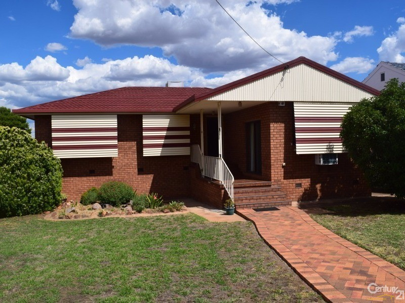 9 Middleton Street, Parkes, NSW 2870