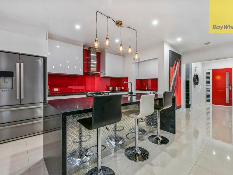 84 Sovereign Manors Crescent, Rowville, Vic 3178