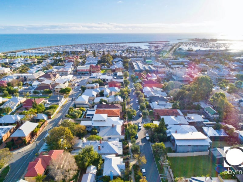 31 King William, South Fremantle, WA 6162