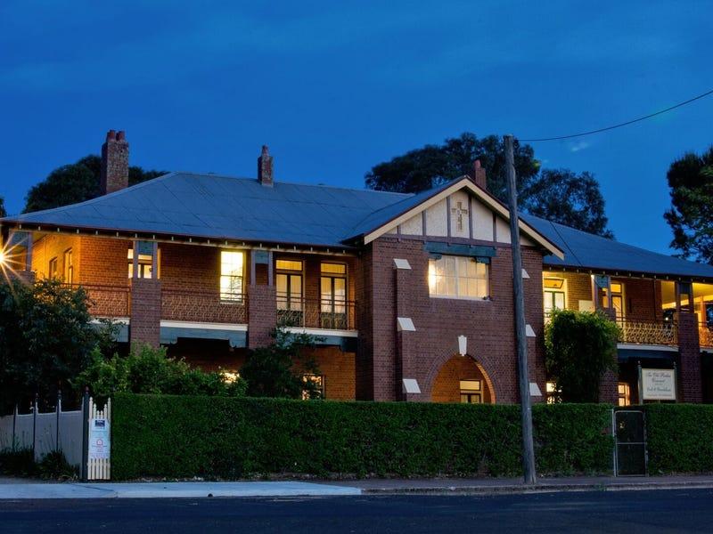 33 Currajong St, Parkes, NSW 2870