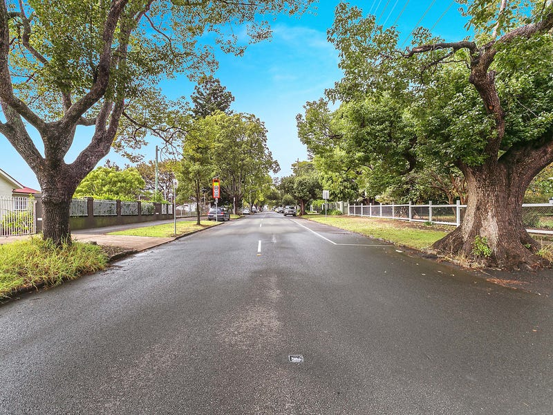 5 Campbell Street, East Toowoomba, Qld 4350