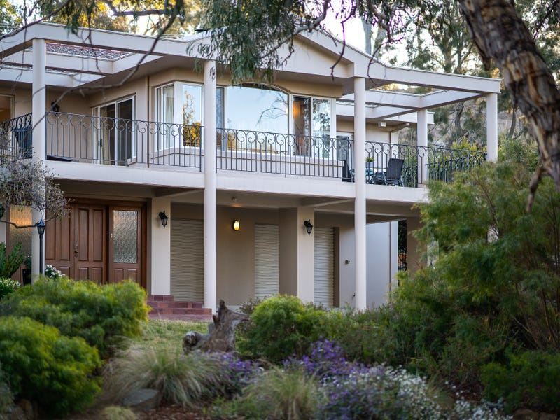 12 Booth Crescent, Cook, ACT 2614
