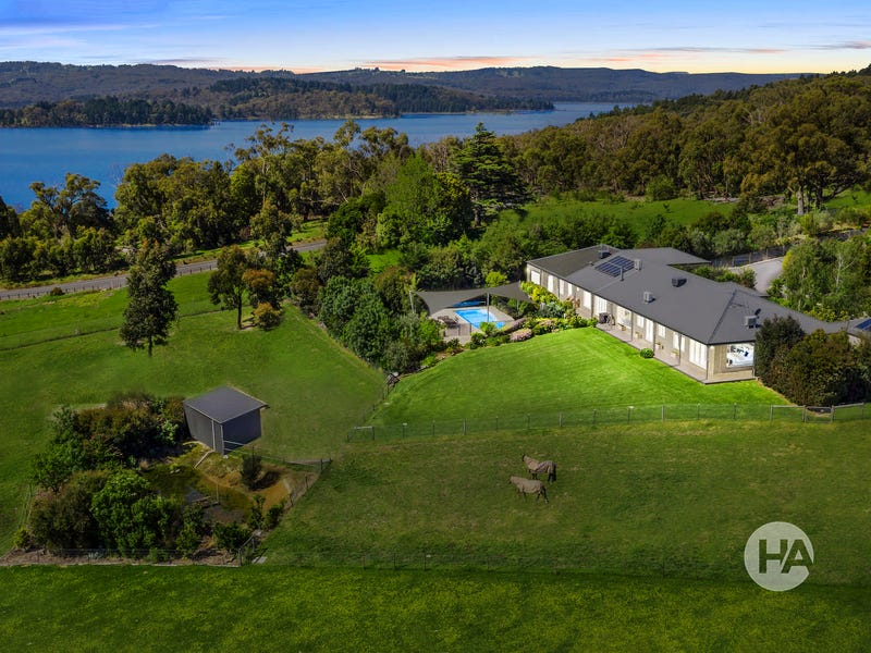 266 Red Hill Road, Beaconsfield Upper, Vic 3808