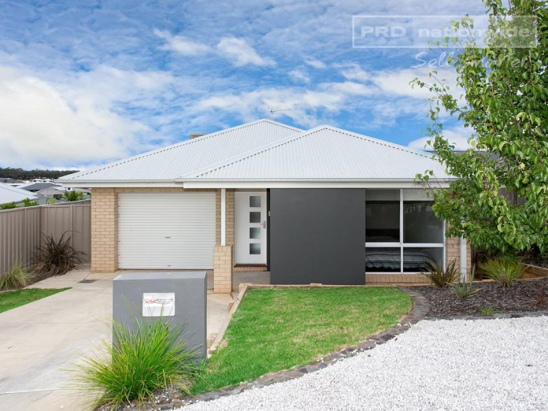1/30 Osterley Street, Bourkelands, NSW 2650