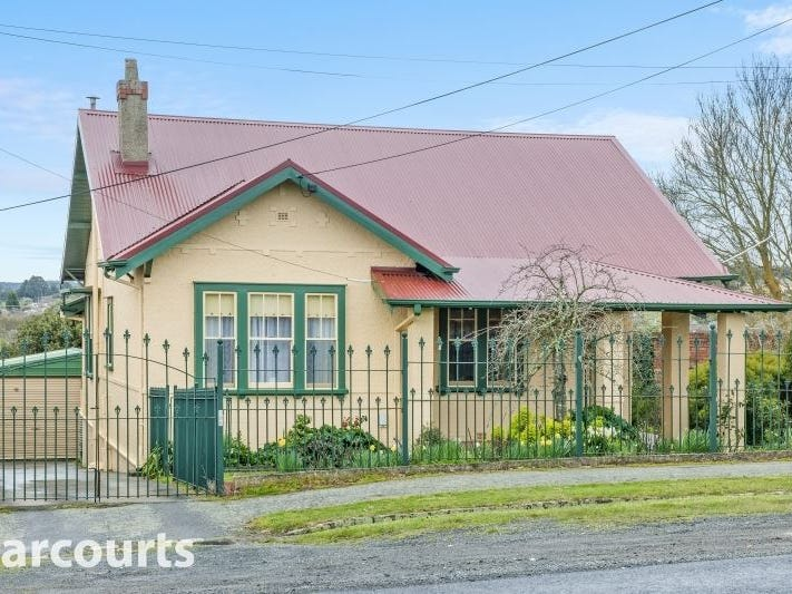 106 Gregory Street, Soldiers Hill, Vic 3350