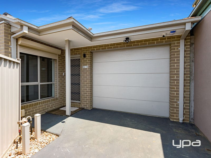 2/14 Shepherds Grove, Kings Park, Vic 3021