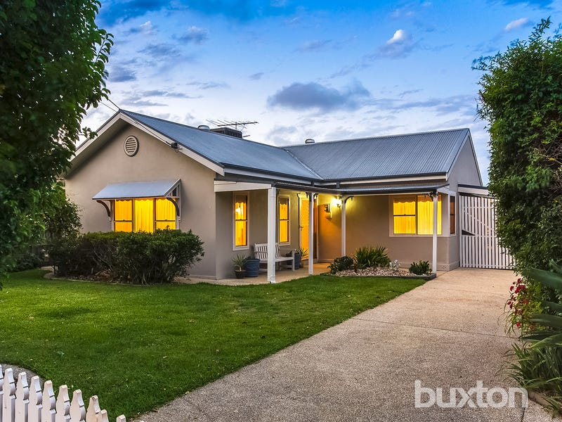 2 Panorama Road, Herne Hill, Vic 3218