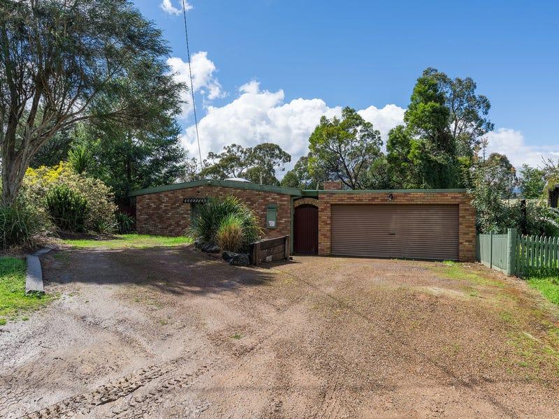 12 Birdwood Avenue, Healesville, Vic 3777