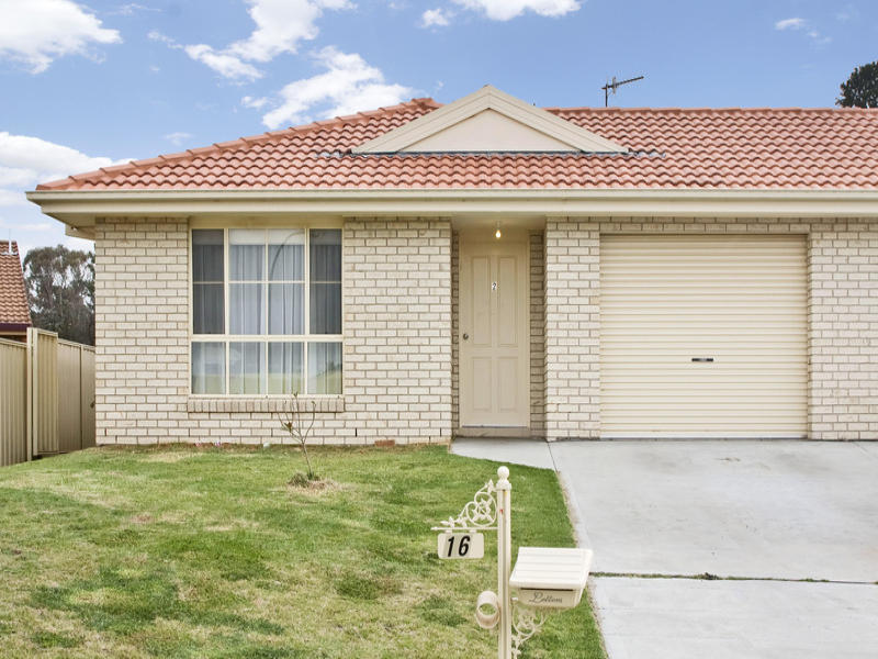 2/16 Conningdale Crescent, Armidale, NSW 2350