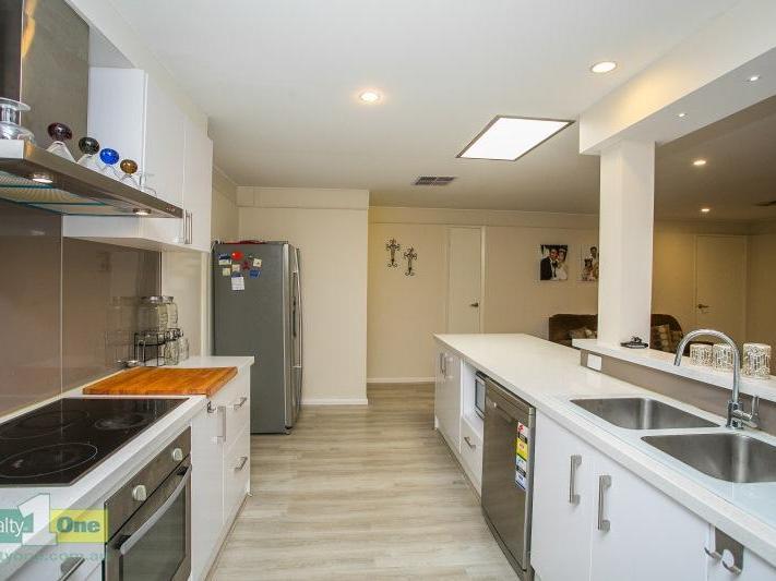 8 Trinnick Place, Booragoon, WA 6154