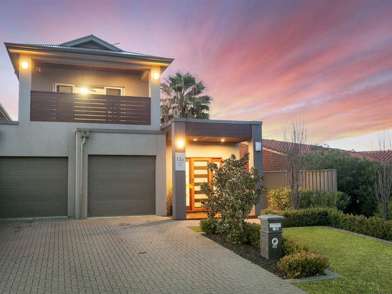 13A Newcombe Avenue, West Lakes Shore