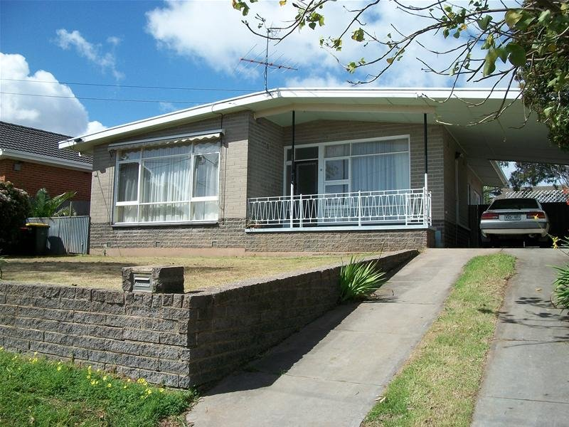 10 Marsh Avenue, Para Hills, SA 5096