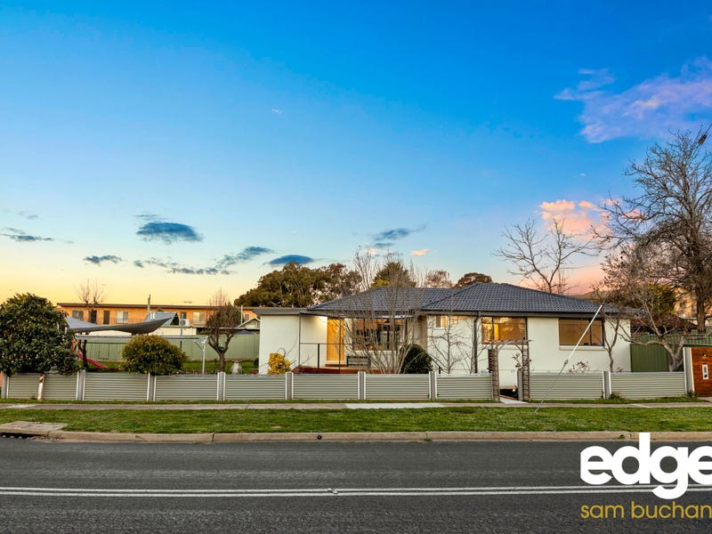 2 Young Street, Crestwood, NSW 2620