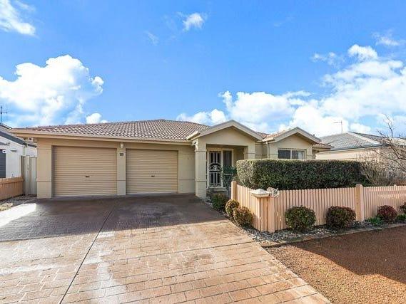 16 Bayside Court, Jerrabomberra, NSW 2619