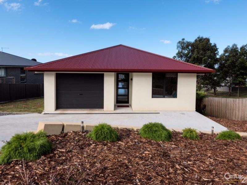 26  McCall Terrace, Devonport, Tas 7310