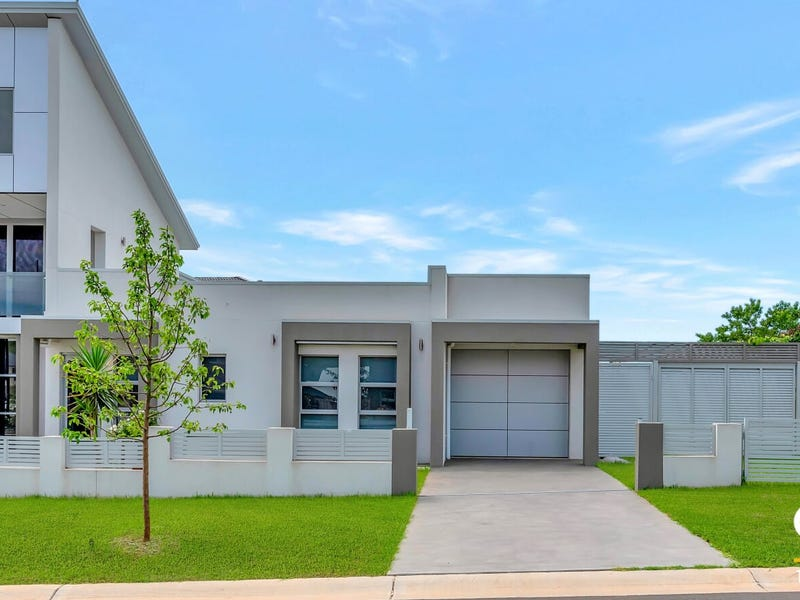 1 Flintlock Drive, Harrington Park, NSW 2567