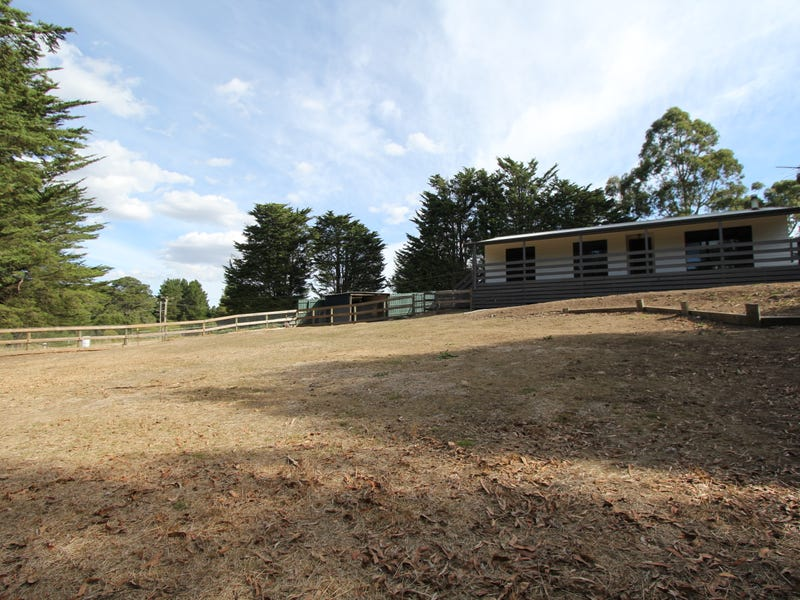 96 Main Road, Mount Egerton, Vic 3352
