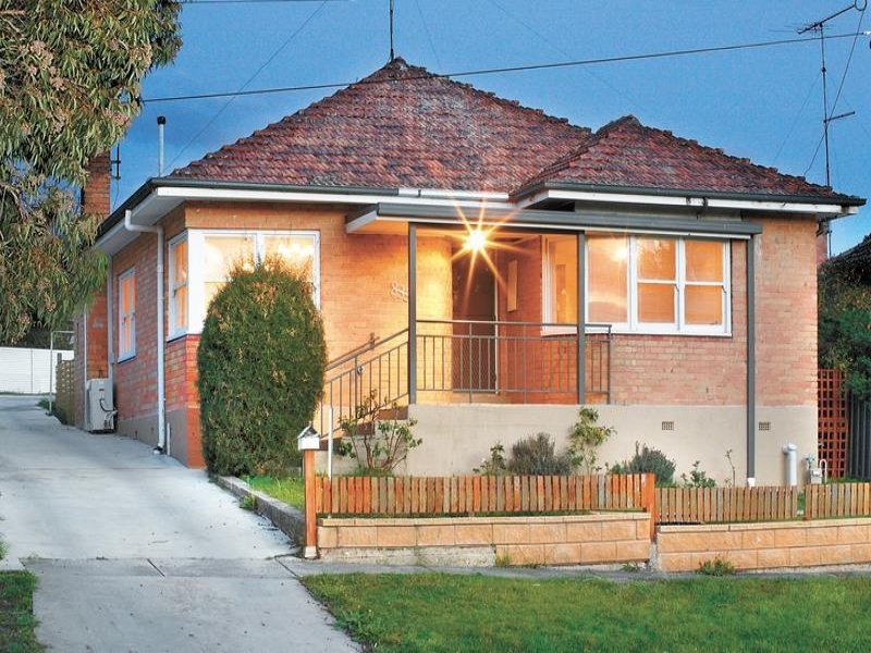 1/835 Humffray Street South, Mount Pleasant, Vic 3350
