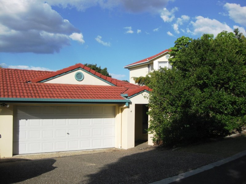 4/6 Buddy Holly Cl, Parkwood, Qld 4214
