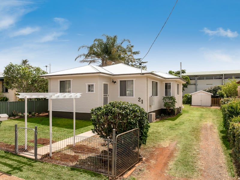 21 Fourth Avenue, Harristown, Qld 4350