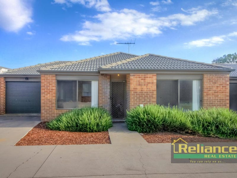 10/4 Austin Place, Melton South, Vic 3338