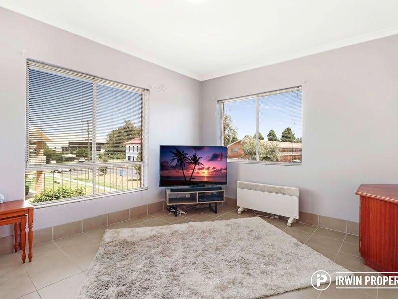 2/9 Macquoid Street, Queanbeyan East, NSW 2620