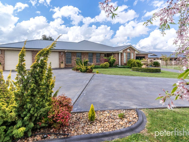 376 The Escort Way, Orange, NSW 2800