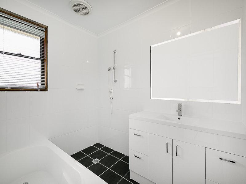 10 Gilbert Avenue, Gorokan, NSW 2263