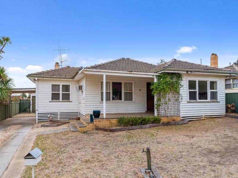 11 Graham Street, Kangaroo Flat, Vic 3555