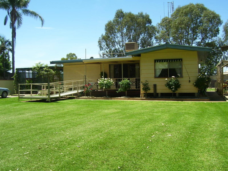 15 MURRAY STREET, Tooleybuc, NSW 2736