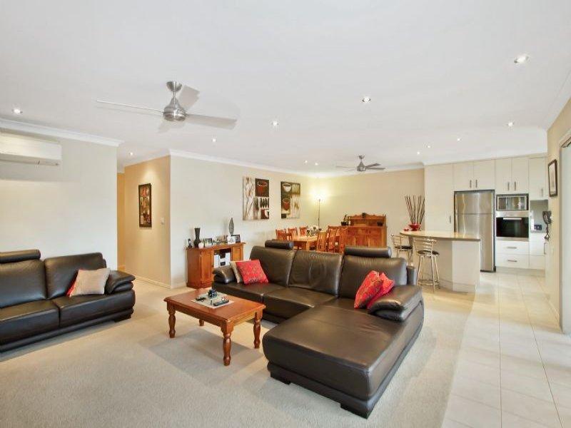 31/117 John Whiteway Drive, Gosford, NSW 2250