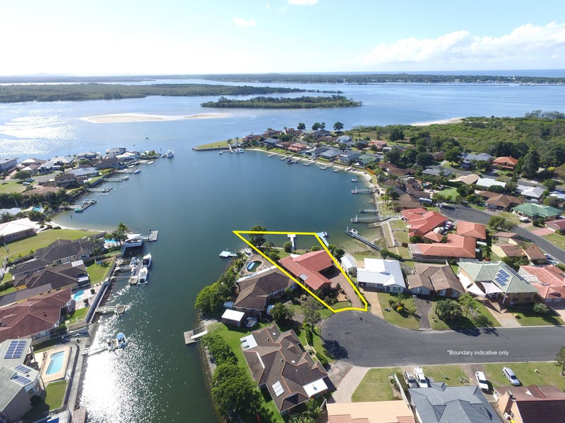 18 Mariners Way, Yamba, NSW 2464