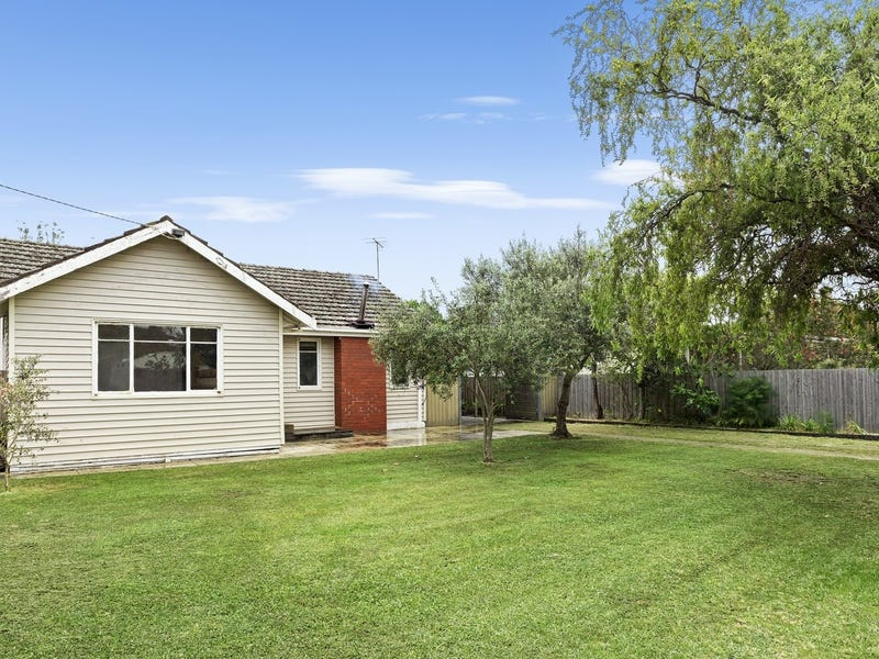 5 Hillcrest Drive, Point Lonsdale, Vic 3225