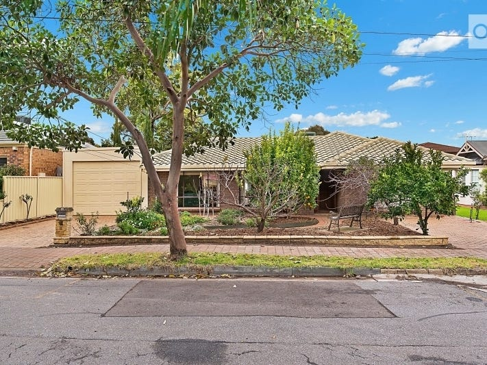 11 Lincoln Avenue, Black Forest, SA 5035
