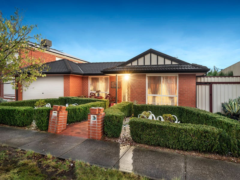 34 Cairnlea Drive, Cairnlea, Vic 3023