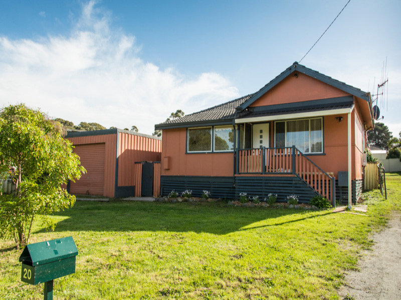 20 Sinclair Street, Lockyer, WA 6330