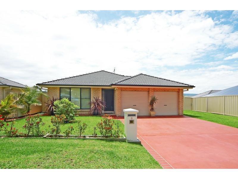 8 Carrington Park Drive, Nowra, NSW 2541