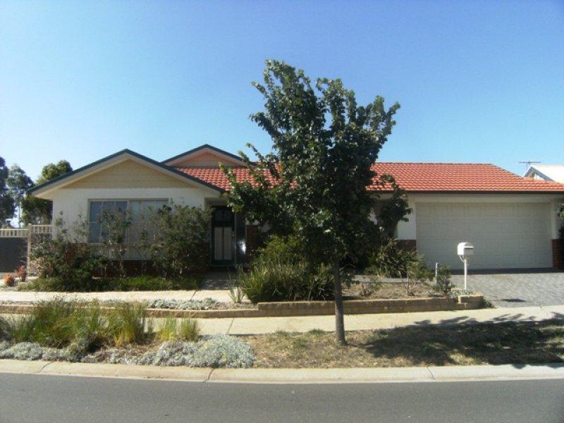 1 Salina Walk, Caroline Springs, Vic 3023